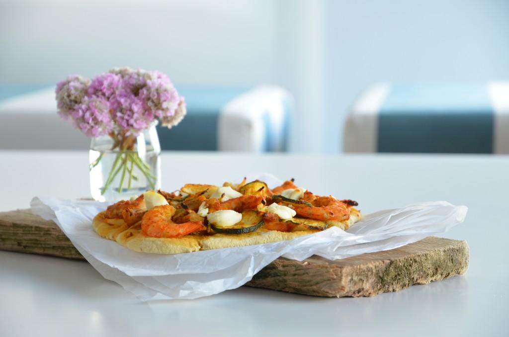seafood-pizza-01